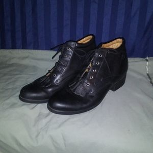 Ariat Lace Up Ankle Boots. Josie. Black. Size 9B.